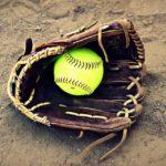 トンネルしないためのソフトボールの捕球の仕方